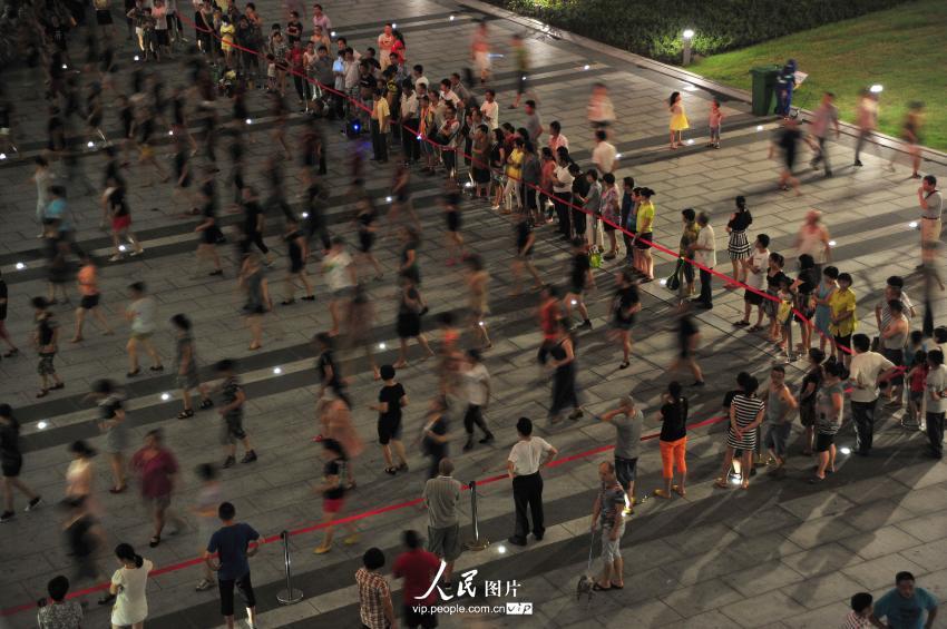 """广场舞""""占领""""杭州东站 车站划出""""跳舞固定区域""""【3】"""