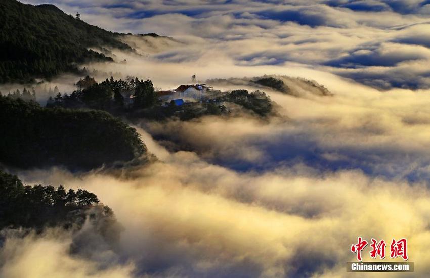 庐山持续出现云海景观 云雾缭绕美不胜收【2】
