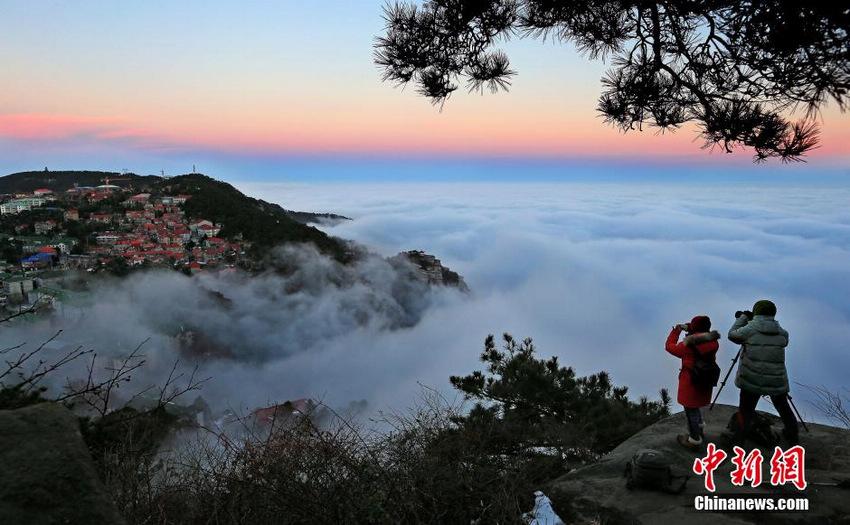 庐山持续出现云海景观 云雾缭绕美不胜收【3】