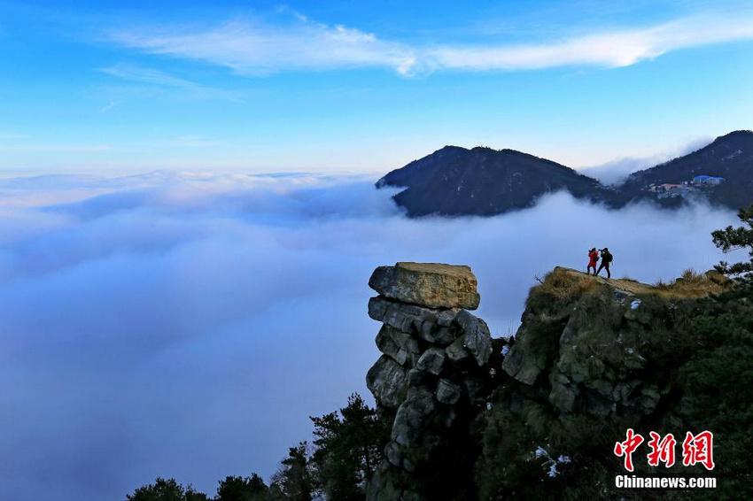 庐山持续出现云海景观 云雾缭绕美不胜收【6】