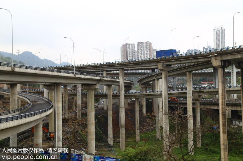 """重庆现""""最任性""""立交桥 5层15条匝道规模庞大"""