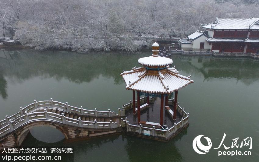 11月23日,安徽省滁州市琅琊山风景区银装素裹,美不胜收.