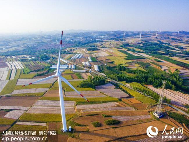 青岛西海岸经济新区积极发展绿色能源产业(2017.8.3)海外版10版