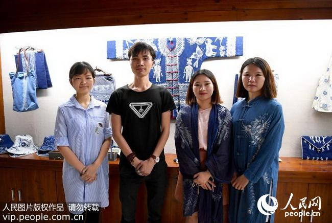贵州:90后大学生团队校园创业传承民族文化(2018.8.10图片